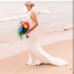Vera Wang White Halter Wedding Dress